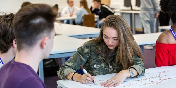 CENTRAL BEDFORDSHIRE COLLEGE MEANS BUSINESS IN LEIGHTON BUZZARD