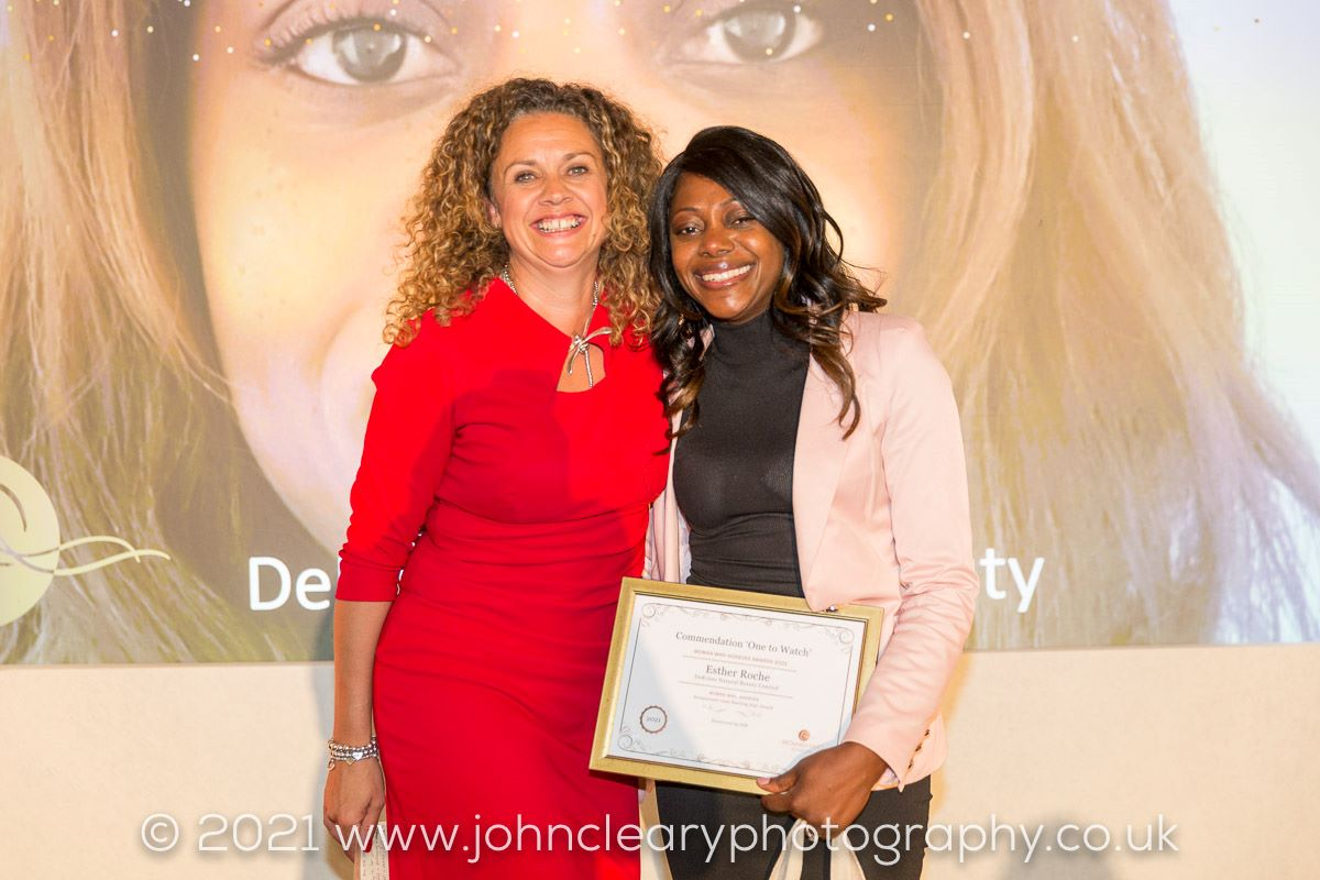 Deroiste Natural Beauty Receives a Commendation at the Woman Who Achieves Awards